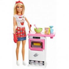 Papusa Barbie in bucatarie foto