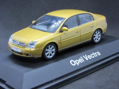 Macheta Opel Vectra C sedan Schuco 1:43 foto