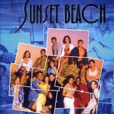 Serialul Sunset Beach pe stick usb / DVD