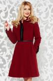 Palton LaDonna visiniu elegant in clos din lana captusit pe interior cu aplicatii cusute manual