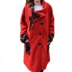 Jacheta deosebita tip palton, culoare rosie cu model negru-gri