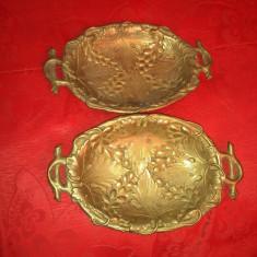 Doua tăvițe bronz antice