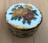 Cutie muzicala / bijuterii - Ardleigh Elliott - Noiembrie - Crizantema eleganta