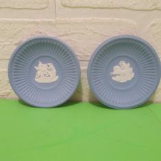 Doua FARFURIOARE din portelan englezesc WEDGWOOD Blue Jasperware , marcate, Decorative