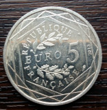 (A76) MONEDA DIN ARGINT FRANTA - 5 EURO 2013, FRATERNITE, Europa