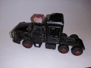 bnk jc Corgi - cap tractor Leyland