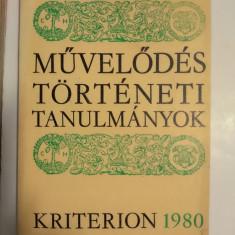 MUVELODES TORTENETI TANULMANYOK