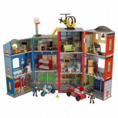 Centru de joaca din lemn Everyday Heroes Kidkraft