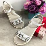 Cumpara ieftin Sandale albe elegante cu pietre strasuri pt fete / talpa moale 31 32 33 34 36