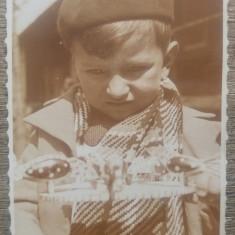 Copil cu jucarie/ fotografie 1935, tip CP