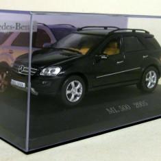Macheta Mercedes Benz ML 500 (W164) 2005 scara 1:43