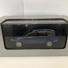 1:43 VW Passat B6 Minichamps