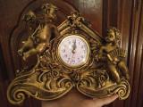 Ceas nou, antichizat, cu îngeri. Polirasina.