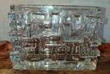 Cumpara ieftin Vaza stil Art Deco din sticla cu elemente geometrice in relief