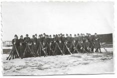 D415 Fotografie elevi militari romani cu arme perioada regalitatii foto