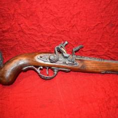 Pistol de panoplie pe suport cu cocos mobil 40 cm
