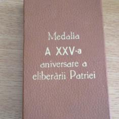 MCP1 - DECORATIE MILITARA COMUNISTA - ELIBERAREA PATRIEI - 25 ani + BONUS!!!