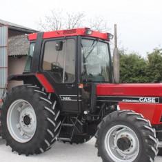 Tractor CASE INTERNATIONAL 745XL