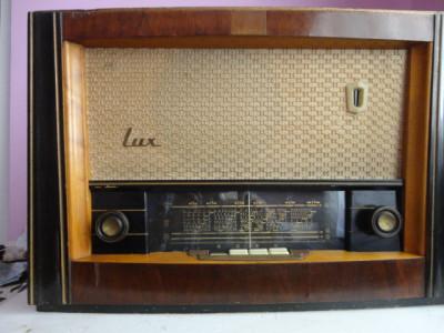 Aparat radio Lux ( model S574 A ) foto