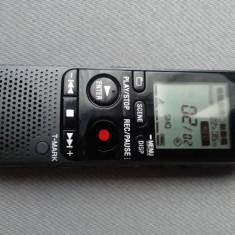 REPORTOFON SONY ICD-PX312 CU 2 GB MEMORIE FLASH+SLOT DE CARD IN STARE BUNA