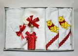 Trusou pentru botez, 7 piese Disney - Winnie the Pooh (Rosu)