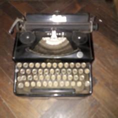 Masina veche de scris