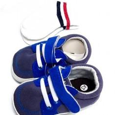 Incaltaminte bebe, papucei, sosete cadou, albastru, 3-6 luni