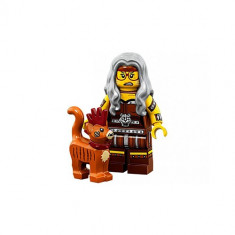 The LEGO® Movie 2 Minifigurina - Sherry Scratchen Post si Scarfield 7102306