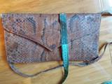 Geanta vintage din piele de sarpe + piele de sarpe pentru a realiza accesorii.