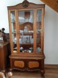 Set mobila veche compus din 5 piese.