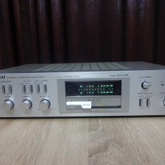 Amplificator Akai AM-U02