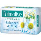 Cumpara ieftin Sapun Palmolive Naturals Chamomile, 90 g, Musetel/ Vitamina E, Sapun, Sapunuri Solide, Sapunuri Palmolive, Sapun Palmolive pentru Pielea Sensibila, Sa