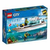 Cumpara ieftin LEGO City - Iaht pentru scufundări - 60221