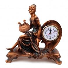 Decoratiune din rasina reprezentand o fata cu lira si ceas, 28 cm, 634E