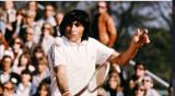 Racheta de tenis vintage semnata de Ilie Nastase