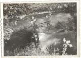 Pescuit cu plasa pe rau Avram Iancu Arad Romania comunista