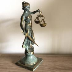 Statueta veche,Justitia,din bronz masiv