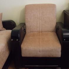 Canapea si doua fotolii, extensibile, de calitate