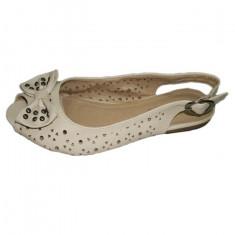 Sandale moderne, foarte dragalase, decupate si fata si spate, bej
