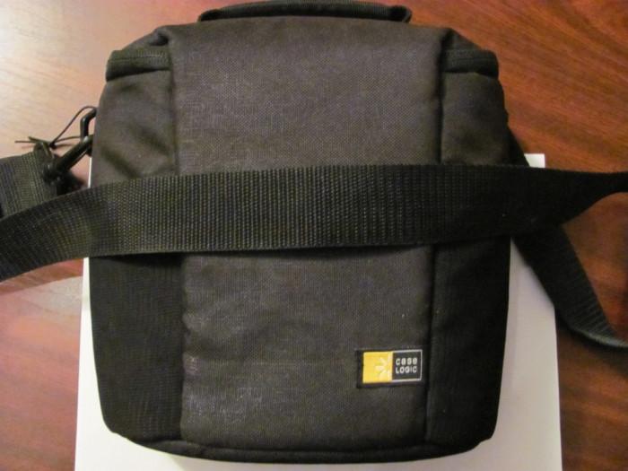 GE - Husa neagra CASE LOGIC pentru aparat foto si accesorii stare foarte buna