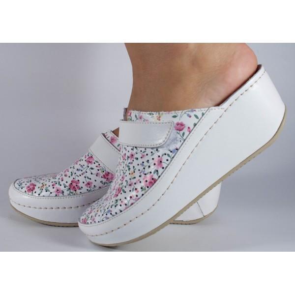 Saboti/Papuci MUBB albi cu flori din piele naturala (cod 666F2)
