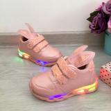 Cumpara ieftin Adidasi roz cu lumini LED si urechi cu scai pt fetite 24 28 29 30, Fete