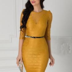 Rochie Moze din dantela galben mustar cu curea in talie