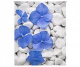 Cumpara ieftin Jaluzea tip rulou Pebbles and Flowers 120x180 cm - Blindecor, Albastru,Gri & Argintiu