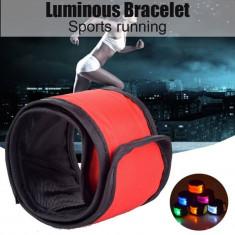 Banda reflectorizanta cu LED, 3 moduri iluminare, inchidere clema
