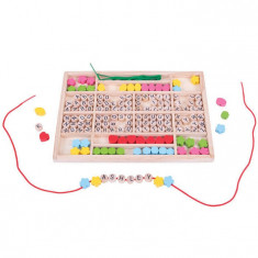 Set margele din lemn pentru insirat - Alfabetul PlayLearn Toys