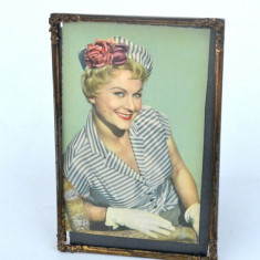 Rama veche metalica tip carte postala  cu motiv floral