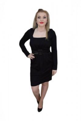 Rochie feminina , de culoare neagra, decolteu generos foto