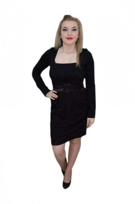 Rochie feminina , de culoare neagra, decolteu generos