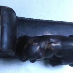 Statueta Caine veche anii 50 din rasina circa 10x20 cm